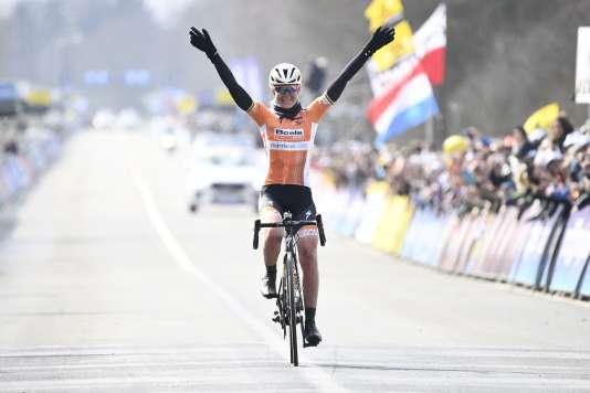 Anna Van der Breggen s'est imposée en solitaire sur le Tour des Flandres