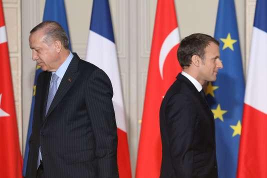 Le président turc Recep Tayyip Erdogan et Emmanuel Macron au palais de l'Elysée, le 5 janvier.