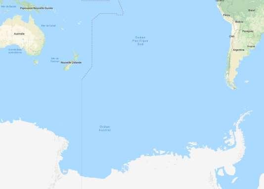 La station chinoise a atterri dans« la zone centrale du Pacifique sud», le point Nem, lui, se trouve au large des côtes de l'Antarctique, entre les îles Pitcairn, la Nouvelle-Zélande et le Chili.