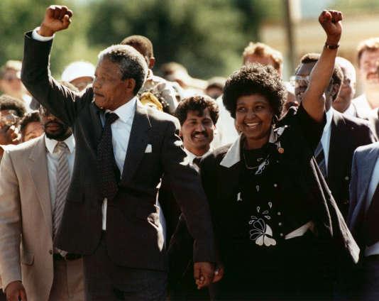 Winnie et Nelson Mandela en 1990, à sa sortie de prison.