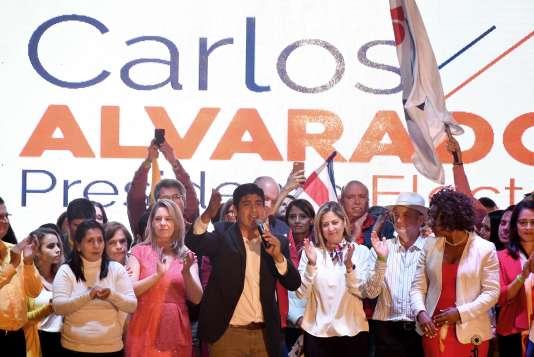 Carlos Alvarado a été largement élu à la tête du Costa Rica, au second tour de la présidentielle, dimanche 1er avril.