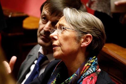La ministre des transports Elisabeth Borne a défendu le texte concernant les garanties des cheminots qui rejoindraient la concurrence, à Paris, le 3 avril 2018.