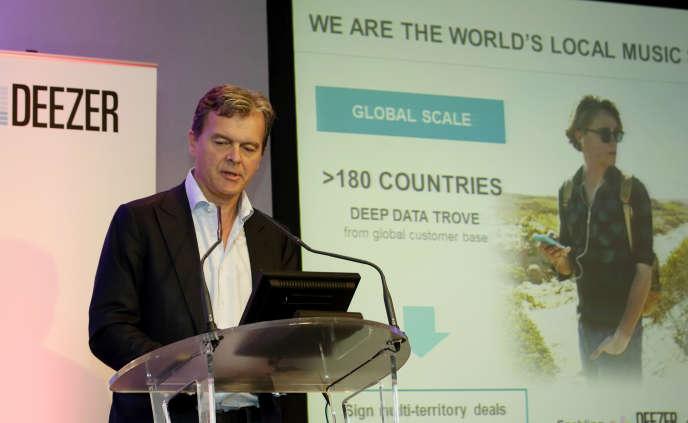Hans-Holger Albrecht , PDG de Deezer, en septembre 2015, à Paris.