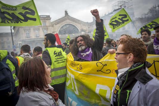 Manifestation des cheminots entre Gare de l'Est et Gare Saint-Lazare, à Paris, mardi 3 avril 2018.