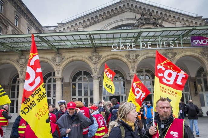 Manifestation nationale des cheminots contre le projet de réforme de leur statut à Paris, le 22 mars 2018.