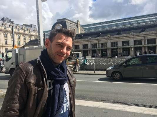 Marc Ribeiro, 34 ans, cheminot à la maoeuvre, devant la gare de Bordeaux, vendredi 23 mars.
