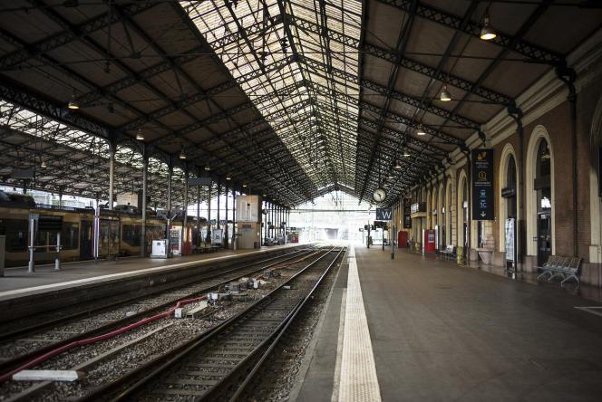Les quais vide de la gare Matabiau à Toulouse (Haute-Garonne), au premier jour de la grève, le 3 avril.