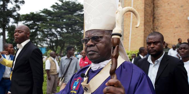 Le cardinal Laurent Monsengwo devant la cathédrale Notre-Dame-du-Congo, à Kinshasa, le 9février 2018.