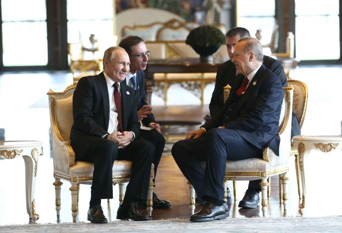 Vladimir Poutine, le président russe, et Recep Tayyip Erdogan, son homologue turc, à Ankara, le 3 avril.