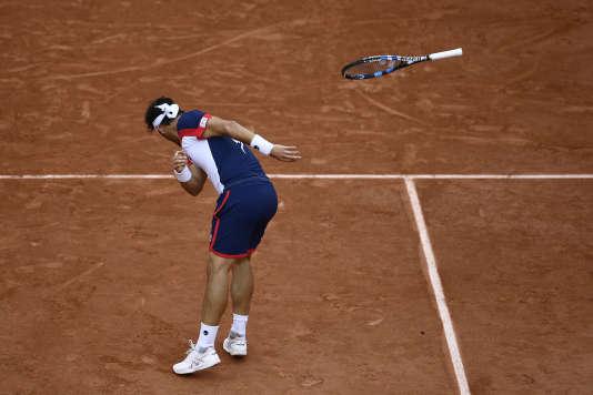 Acte III, scène 2 : vrille arrière et jet de raquette, 3 juin 2017, Roland-Garros.