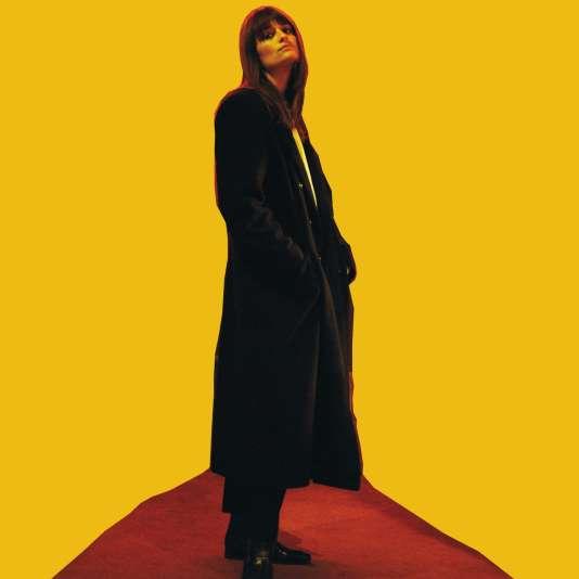 « Françoise Hardy fait partie du top 10 des femmes qui m'ont le plus marquée », explique Clara Luciani.