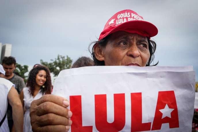 Une partisane de Lula, à Brasilia, le 4 avril.
