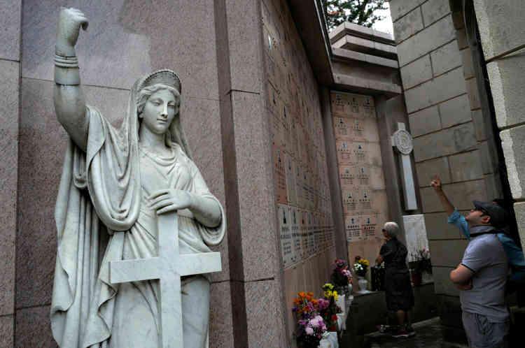 Dans un cimetière de Hongkong, le 5 avril.
