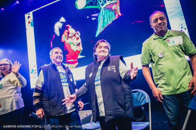 Bernard et Raymonde, deux des chouchous du public, accompagnés d'Abdel, leur coach.