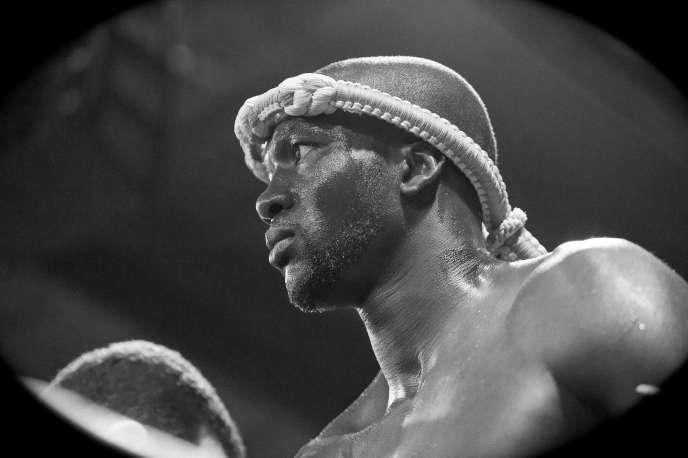Amadou Ba lors de son combat contre Bobo Sacko à la Halle Carpentier le 14 juin 2012.