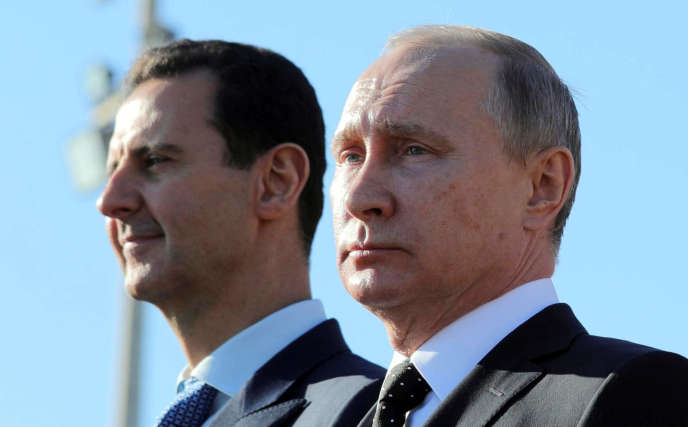 Bachar Al-Assad etVladimir Poutine sur une base militaire dans la province de Lattaquié(Syrie), le 11 décembre 2017.