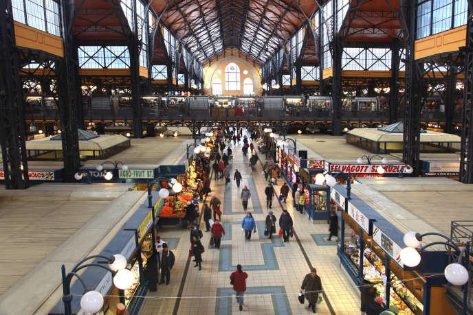 Le grand marché couvert de Budapest.