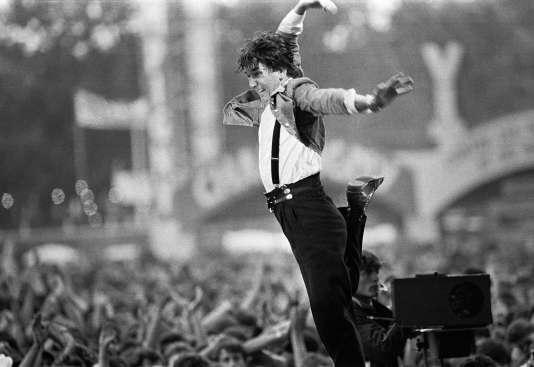Jacques Higelin, le 14 septembre 1986 lors de son concert à la Fête de « L'Humanité» à Paris.