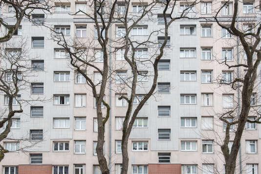 «Le temps que cette procédure aboutisse, il s'écoule entre 18 mois et 24 mois et il en coûte entre 3 000 et 5 000 euros au propriétaire» (Immeubles à L'Haÿ-les-Roses, Val-de-Marne).