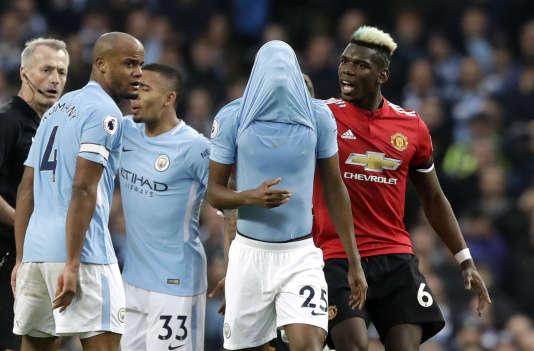 Battus 3-0 par Liverpool en Ligue des champions, les joueurs de Manchester City ont perdu le derby contre leur rival United.