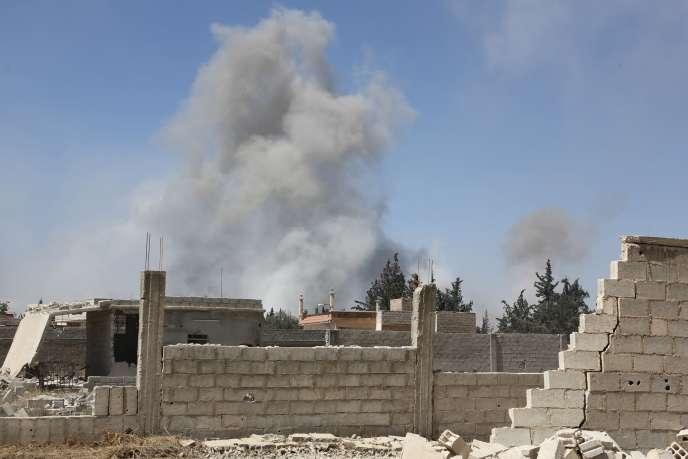 Nouveaux raids aériens du régime Assad contre la ville de Douma, le 7 avril.