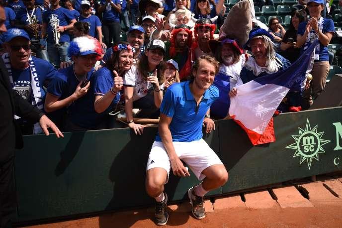 Lucas Pouille a qualifié la France pour les demi-finales en battant Fabio Fognini