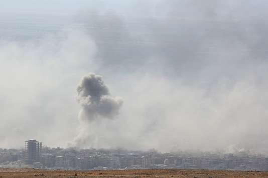 Nouveaux raids aériens du régime Ass contre la ville de Douma, le 7 avril. STRINGER / AFPEn savoir plus sur http://www.lemonde.fr/syrie/article/2018/04/07/en-syrie-les-rebelles-denoncent-une-attaque-au-chlore-a-douma_5282323_1618247.html#BtUEyMKXi5p7xc38.99