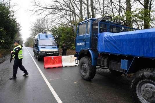 Quelque 2 500 gendarmes mobiles, soit 25 escadrons, sont mobilisés pour l'évacuation, prévue lundi 9 avril.