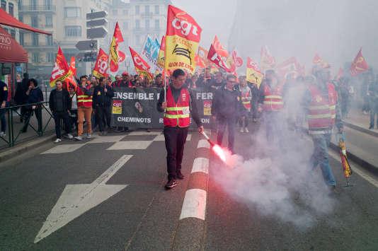 Manifestation de cheminots à Lyon, le 9 avril.