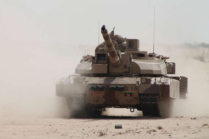Un char Leclerc utilisé dans le cadre de l'intervention de la coalitionmenée par l'Arabie saoudite au Yémen, en 2015 près d'Aden.