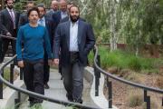Le prince héritier Mohammed Ben Salman (à droite), lors d'une visite chez Google dans la Silicon Valley, le 6 avril 2018.