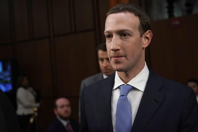 Huit Parlements, qui s'intéressent à la question des fausses informations, demandent à Mark Zuckerberg de se présenter devant eux lors d'une commissions conjointe.