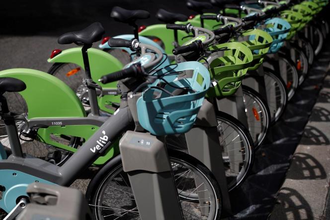 Annonce phare, le « retrait temporaire des vélos électriques », trop souvent inutilisables à cause des problèmes d'électrification des bornes.