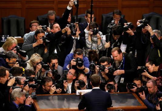 Le PDG et cofondateur de Facebook à son arrivée devant la commission sénatoriale, à Washington, le 10 avril.