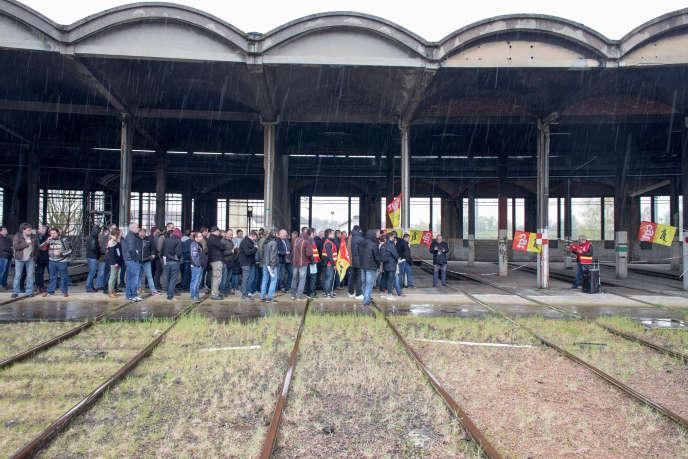 «Comme le mouvement des cheminots ne peut pas être assimilé à une grève tournante, la tactique retenue est, en l'état actuel, du droit licite» (Gare de Laroche-Migennes, le 8 avril. Mobilisation des cheminots).