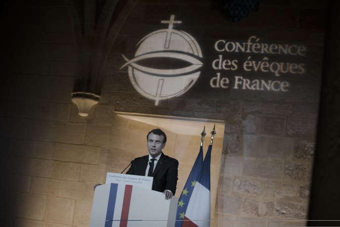 Emmanuel Macron lors de son discours à la Conférence des évêques de France, au collège des Bernardins à Paris, le 9 avril.