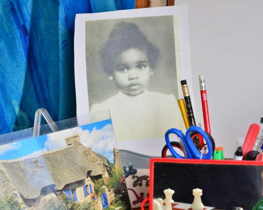 Marie-Thérèse Gasp, née en 1963, a été placée à 6 semaines en pouponnière puis exilée dans la Creuse à 3 ans (ci-contre, une photographe prise par la DDASS).