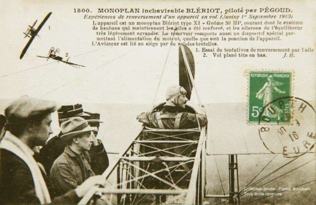 Célestin Adolphe Pégoud réalise le 1er septembre 1913 à Viry-Châtillon (sud de Paris) le premier vol