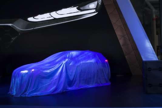 Présentation du modèle de voiture électrique Kona par le constructeur Hyundai, au salon automobile de New York, le 28 mars.