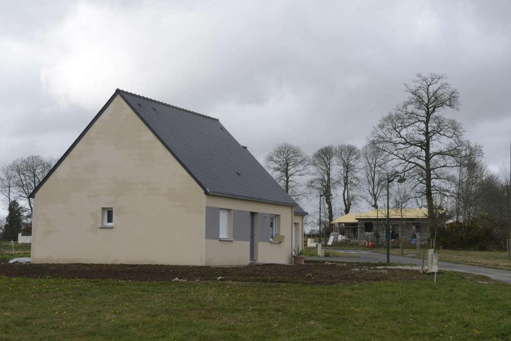 Trois ans plus tard, à Guiscriff, quatre maisons sont presque terminées. Mais dix-huit lots sont toujours en vente, ce qui illustre les limites de ces projets. Pour qu'ils soient couronnés de succès, il est nécessaire de les inclure dans une dynamique globale.