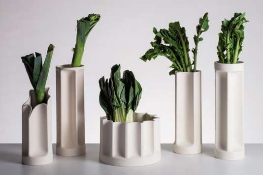 Danese réédite en céramique les vases Bambu d'Enzo Mari.