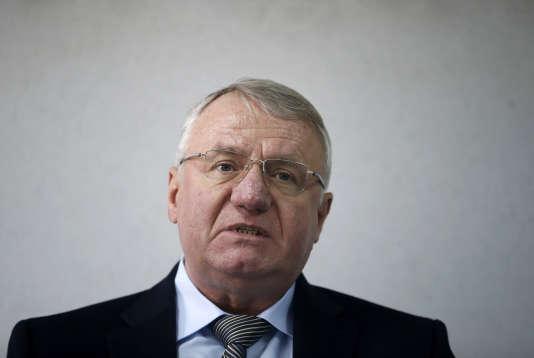 Vojislav Seselj lors d'une conférence de presse à Belgrade, en Serbie, le 9 mars 2016.
