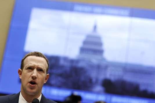 Le patron de Facebook, Mark Zuckerberg, a été interrogé pendant plus de cinq heures mercredi.