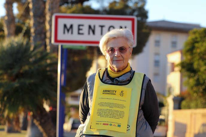 La militante d'Amnesty International, Martine Landry, à Menton, le 16décembre 2017.