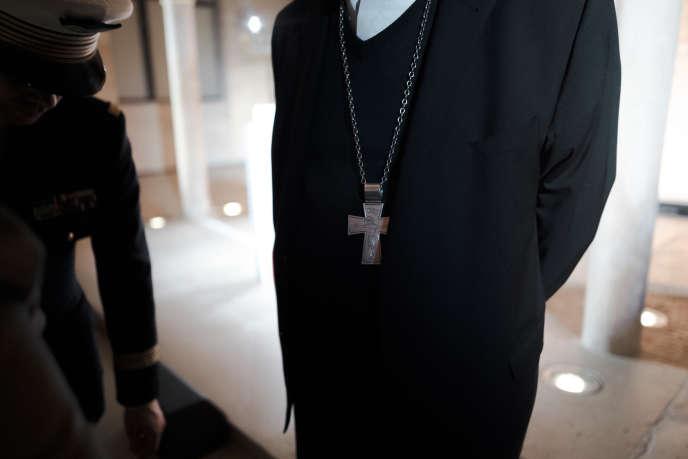 Lors de la réunion organisée par la Conférence des évêques de France au collège des Bernardins à Paris, le 9 avril.