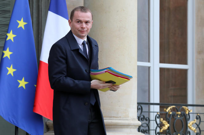 Le secrétaire d'Etat à la fonction publique, Olivier Dussopt, à sa sortie de l'Elysée, le 7mars.