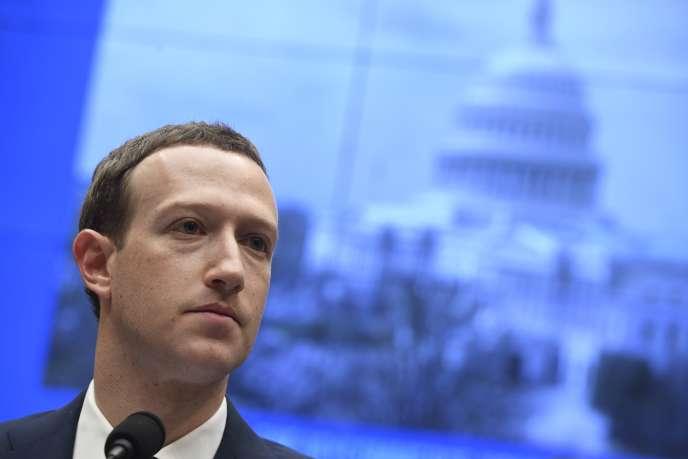 Le fondateur de Facebook Mark Zuckerberg, lors de son audition devant la chambre des représentants, le 11 avril à Washington.