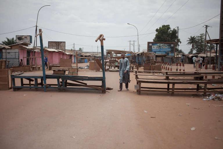 Dans le quartier à majorité musulmane du PK5, à Bangui, le 9avril 2018, au lendemain du lancement d'une opération conjointe des casques bleus de la Minusca et des forces centrafricaines contre les groupes armés.