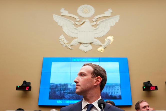 Mark Zuckerberg s'excuse régulièrement, au fil des scandales qui émaillent l'existence de Facebook.