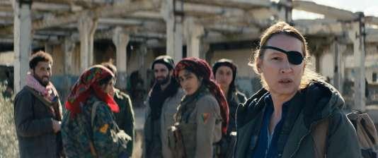 Golshifteh Farahani et Emmanuelle Bercot dans «Les Filles du soleil», d'Eva Husson, en compétition au 71e Festival de Cannes.